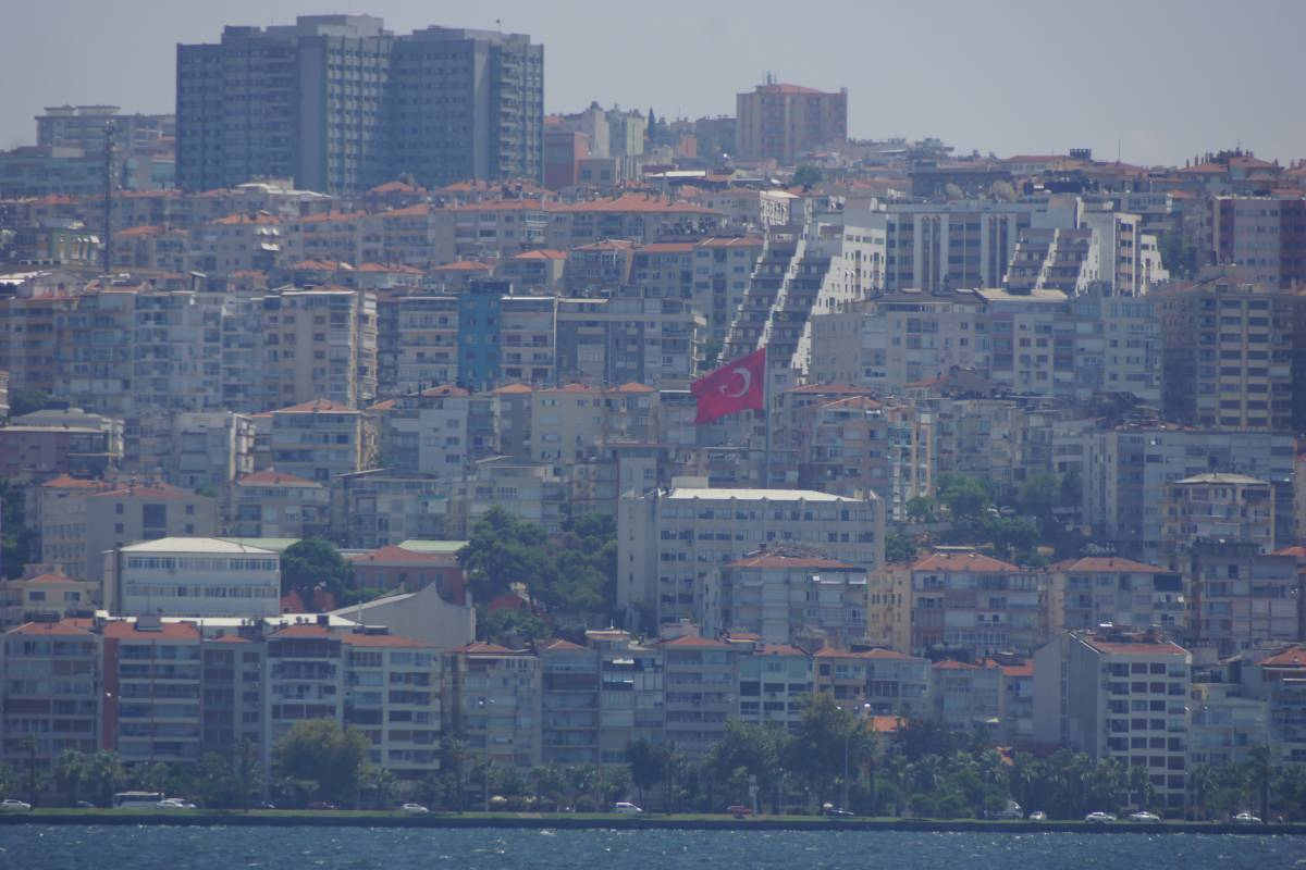 izmir asian singles History i̇zmir is one of the oldest cities of the mediterranean world and has been of almost continuous historical importance during the last 5,000 years excavations indicate settlement contemporary with that of the first city of troy, dating.