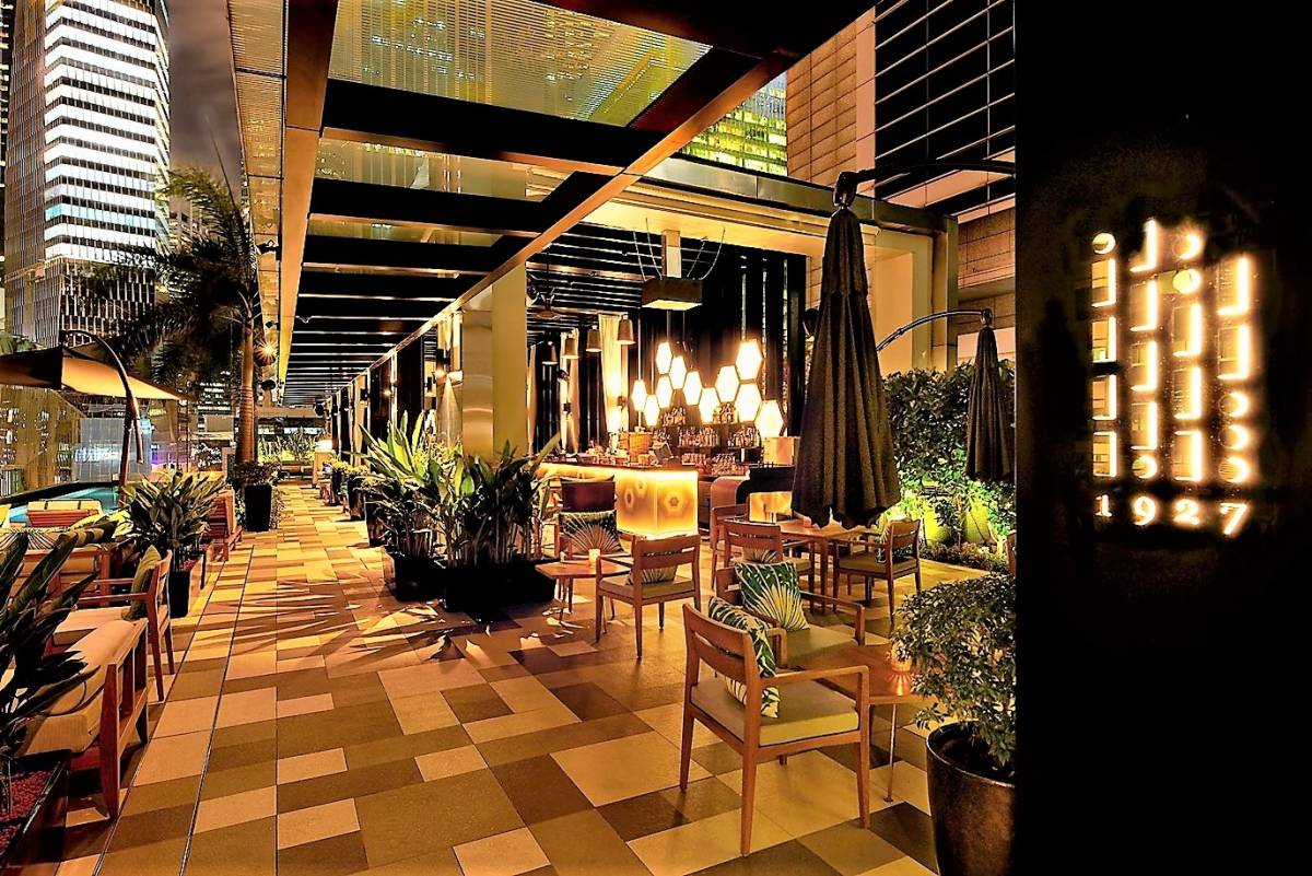 Old-world Charm Meets Tropical Chic at 1927 - SO/ Sofitel Singapore's New  Rooftop Pool & Bar