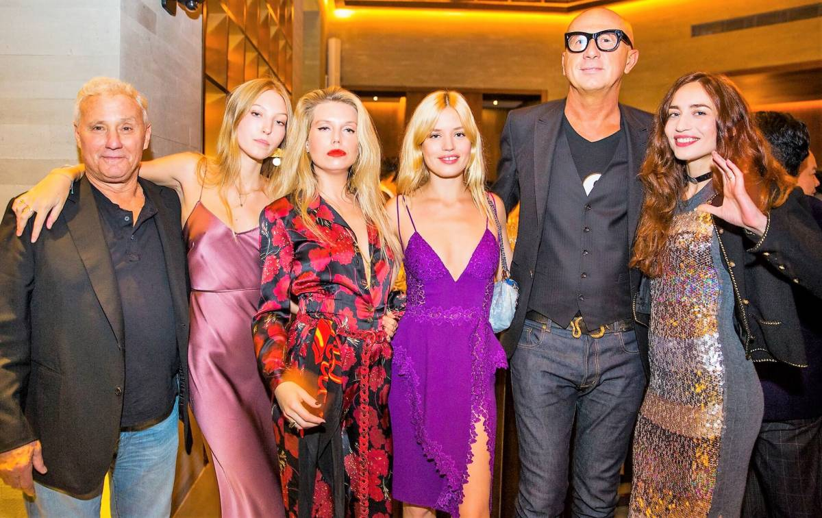 CELEBRITIES AND SUPERMODELS FLOCK TO SHANGHAI