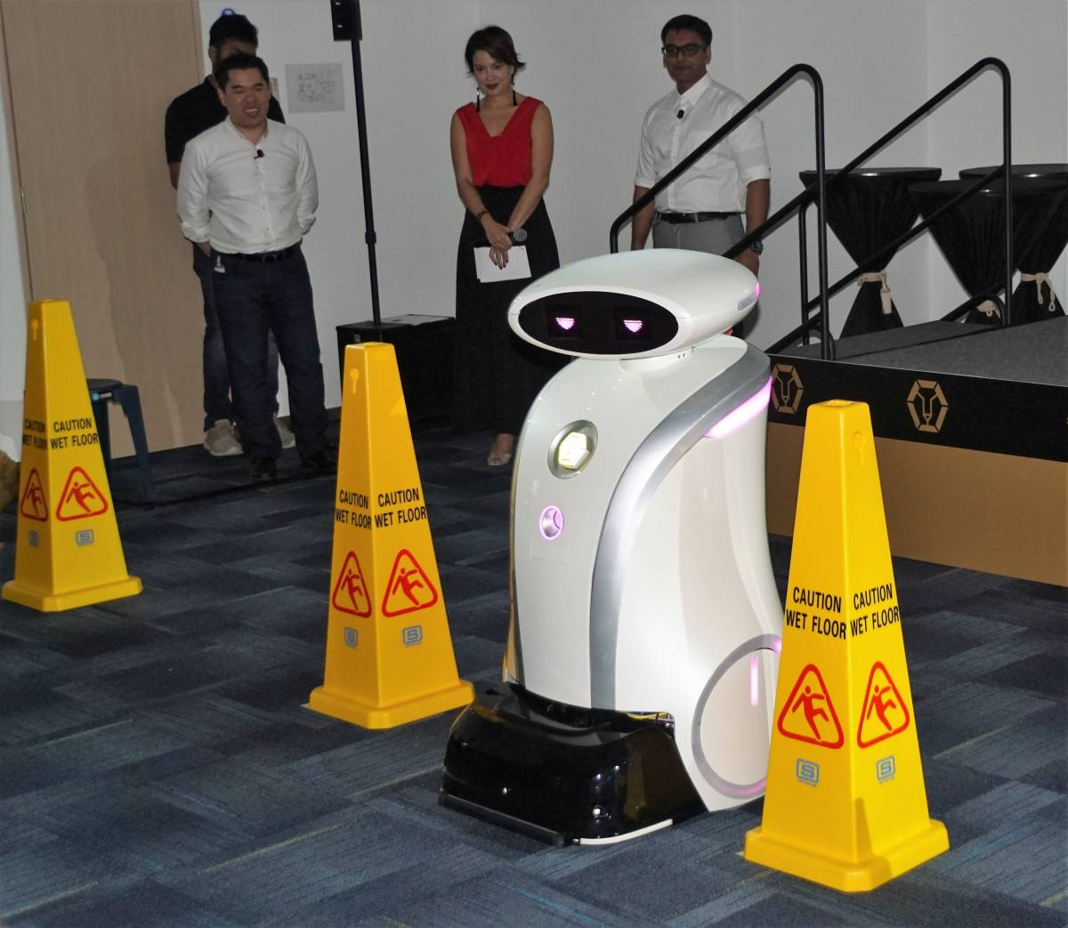 LIONSBOT INTRODUCES PROFESSIONAL CLEANING ROBOTS WITH PERSONALITY