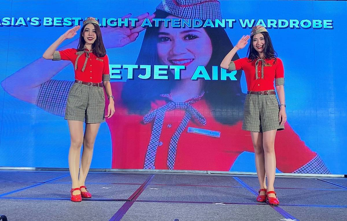 "Vietjet Wins ""Asia's Best Flight Attendant Wardrobe"" 2018"