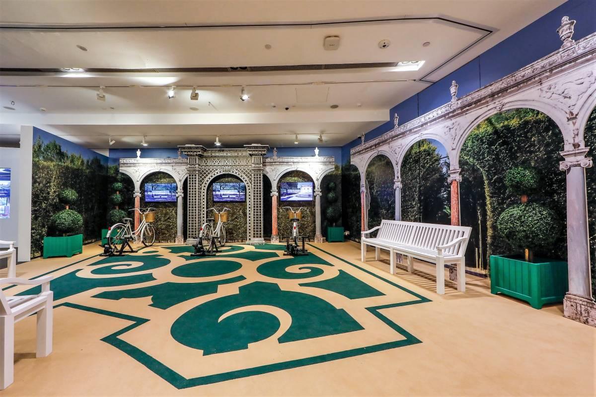 Virtually Versailles: A Digital Exploration
