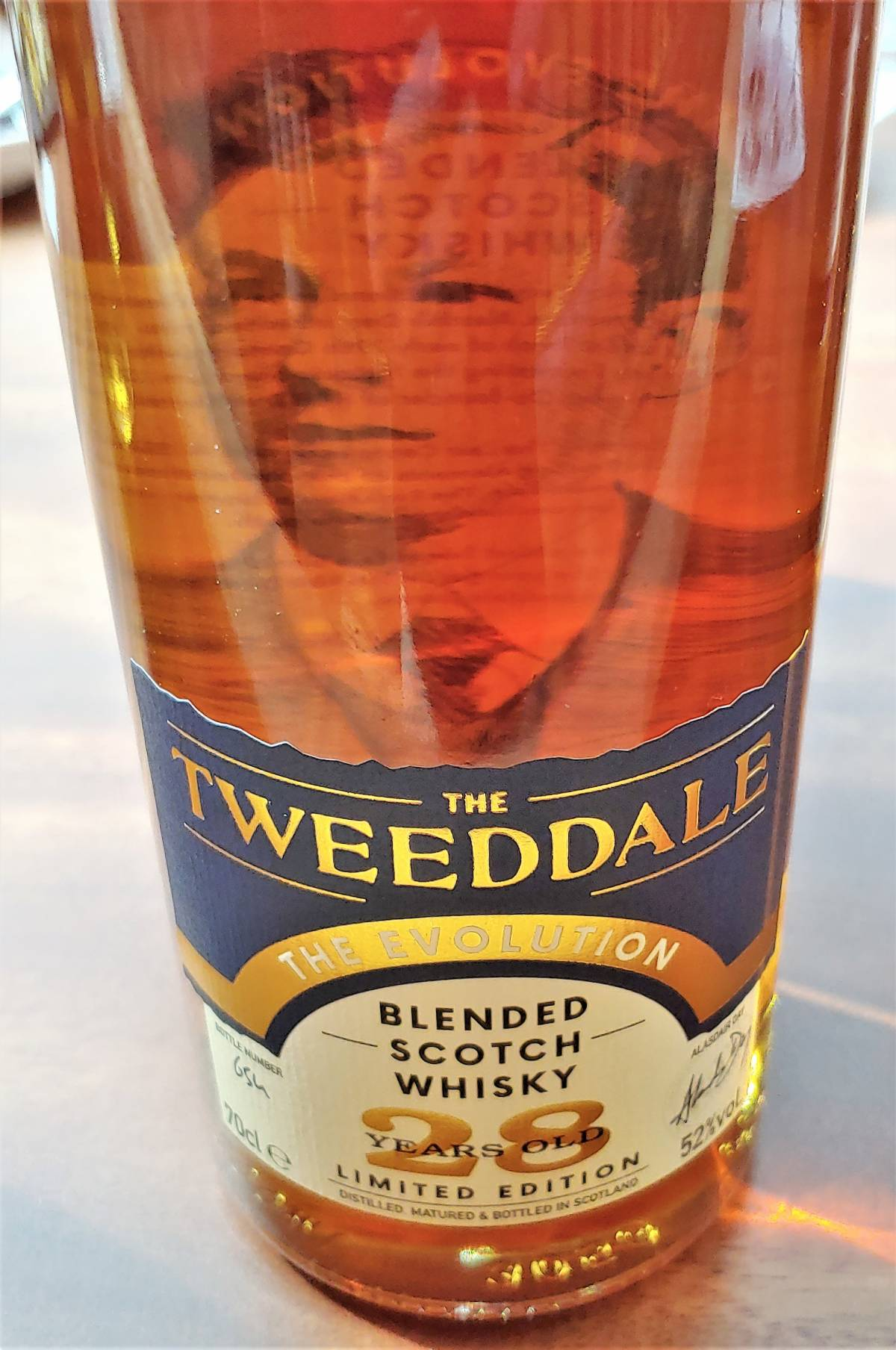 THE WHISKY DISTILLERY IS PROUD TO LAUNCH THE TWEEDDALE EVOLUTION 28YO IN SINGAPORE