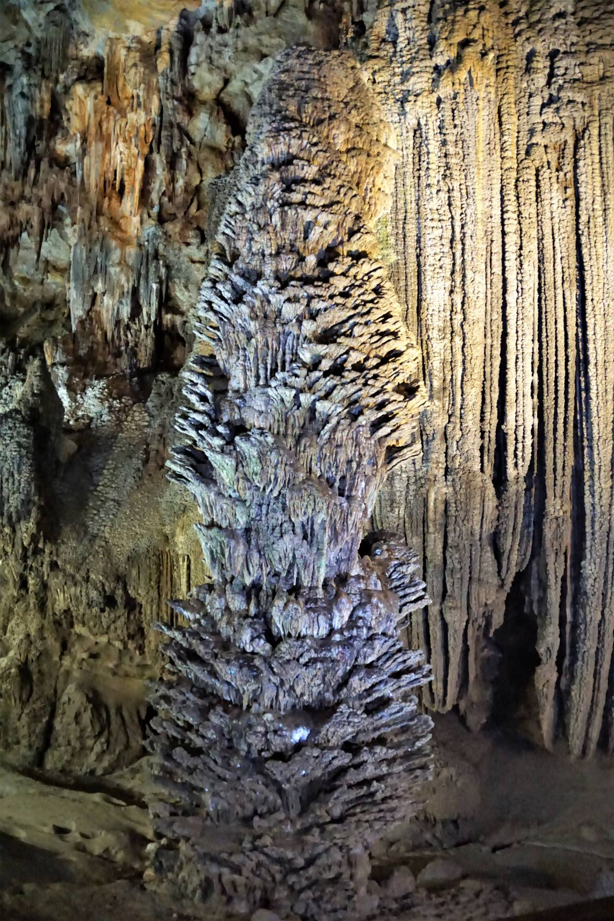 CAVES OF CENTRAL VIETNAM in QUANG BINH