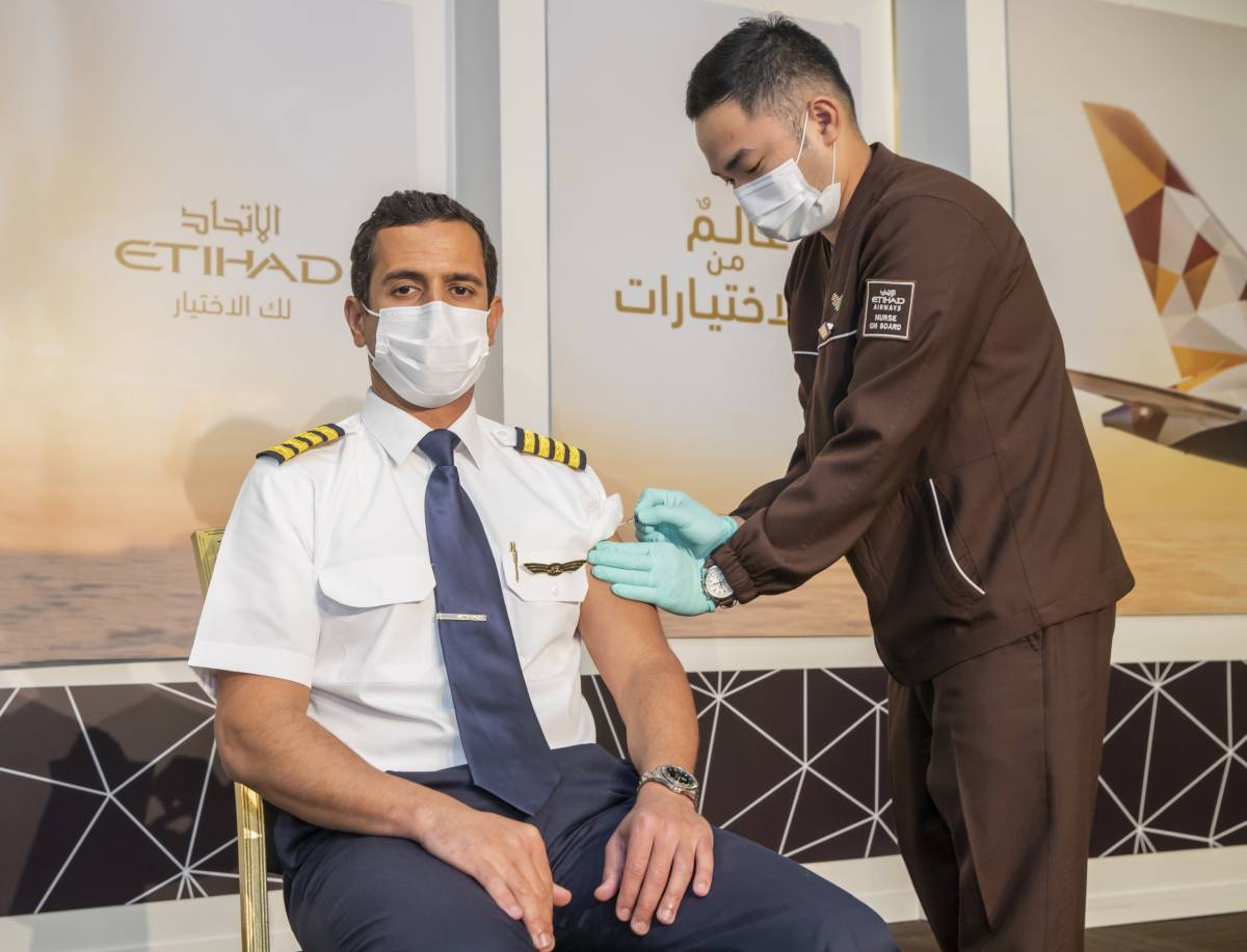 Etihad Airways is the First Airline With 100% Of Crew On Board Vaccinated