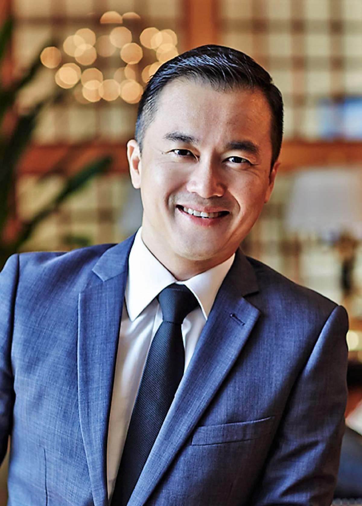 Mr Nicholas Lim Returns to The Travel Corporation