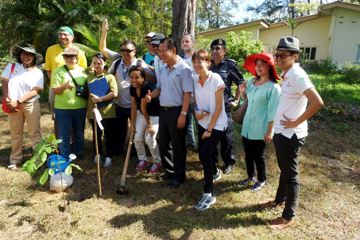 Sarawak Tourism Board holds Tree Planting Ceremony in Conjunction with Borneo Jazz 2015