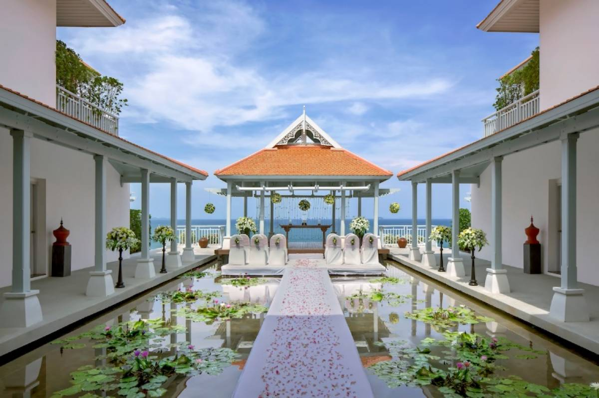 The latest promotions from Regent Hotels and Resorts