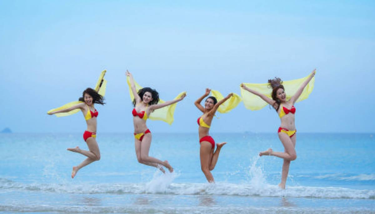 Vietjet Bikini shines in