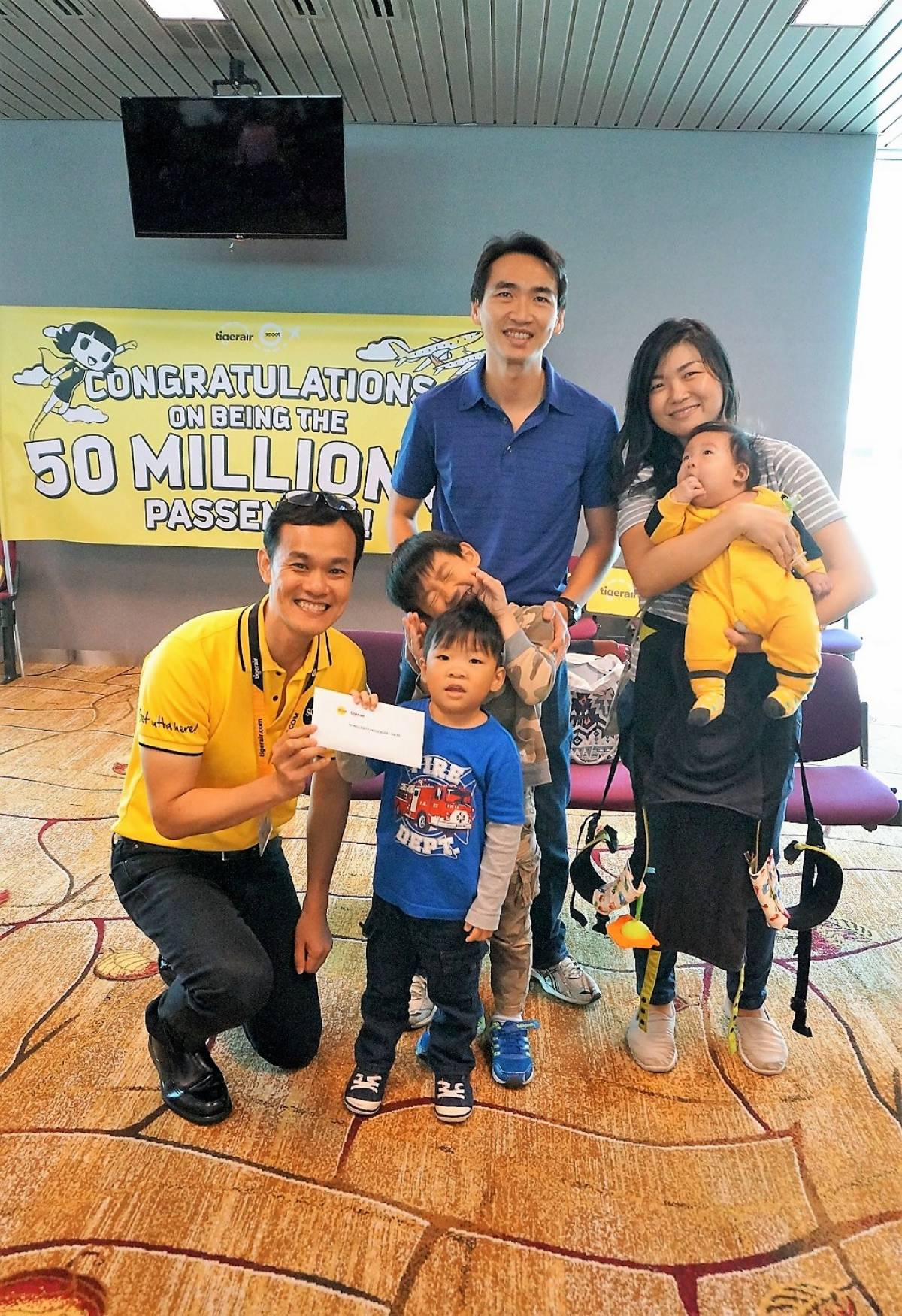 Scoot and Tigerair Celebrate 50 Millionth Guest on Board!